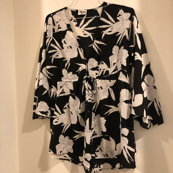 c1954a67f0bb Show me Your Mumu Lily Collins Roxy Romper size M NWT